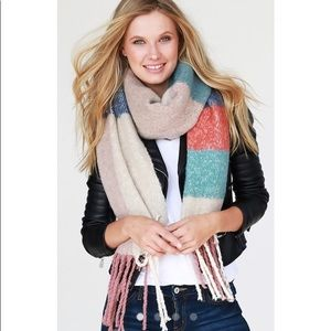 Accessories - Oblong Plaid Scarf